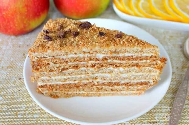 Медовый торт со сливочным кремом