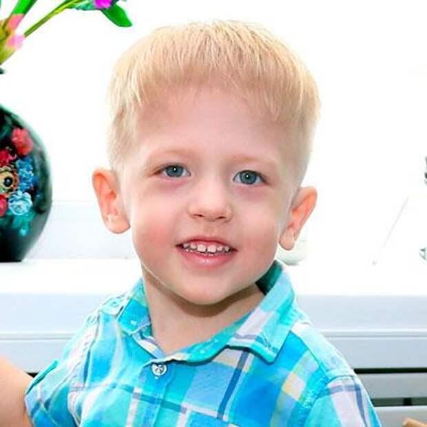 Даня Бондаренко, 3 года, инфантильный левосторонний грудопоясничный сколиоз 4-й степени, спасет операция, 853943₽