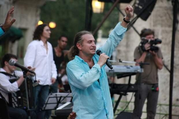 Леонид Агутин заявил об опасности цензуры для российской музыки