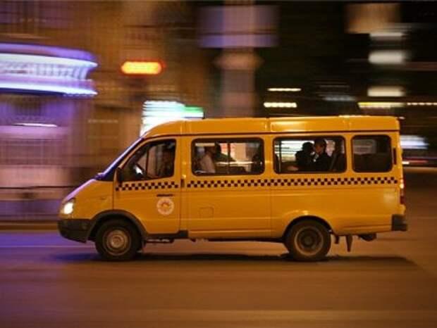 В Севастополе пассажир маршрутки порвал штаны и устроил скандал