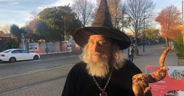 Новозеландец официально работает волшебником иполучает зарплату