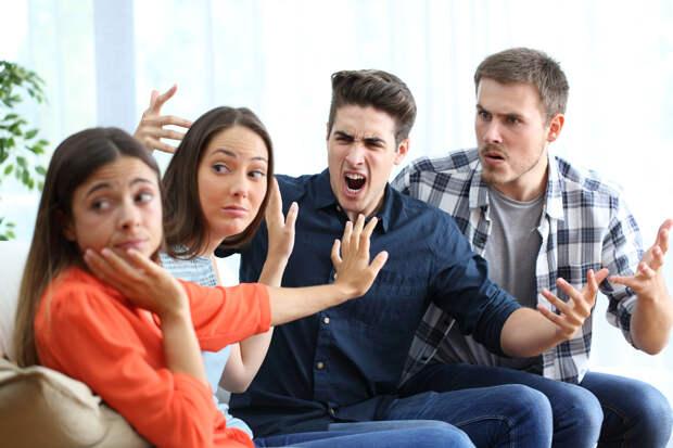 Как мирно пережить встречу с родственниками на новогодние праздники?