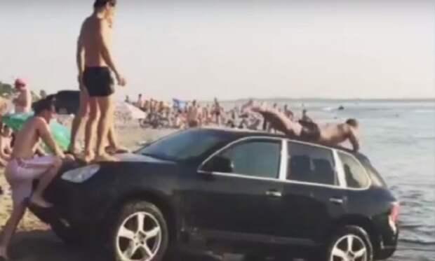 «Золотая молодежь» в Волгограде устроила прыжки в воду с крыши Porsche Cayenne
