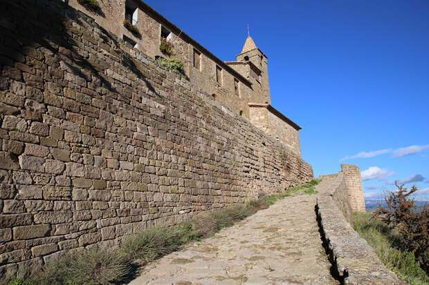 Castles of Spain: Castellvell in Solsona, Catalonia, Pyrenees