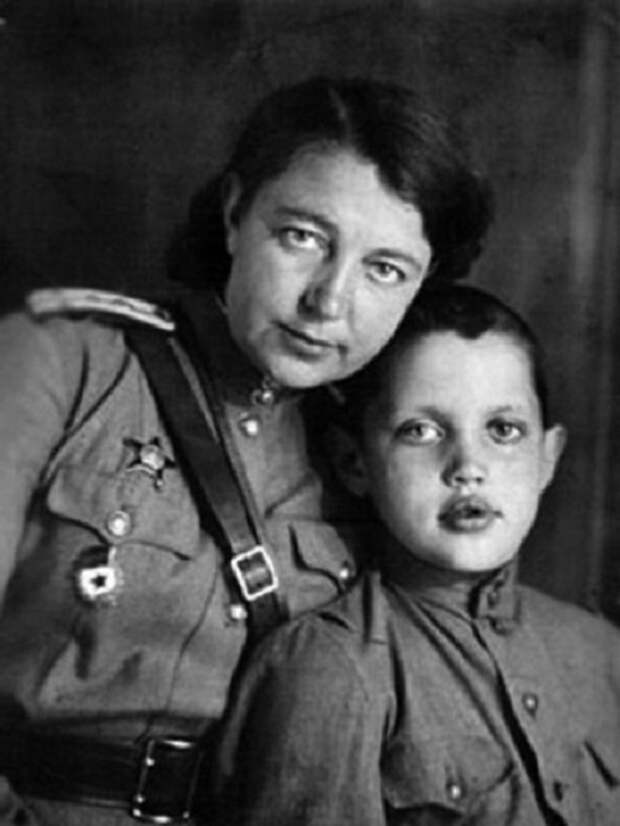 Один из самых известных поэтов Советского Союза.