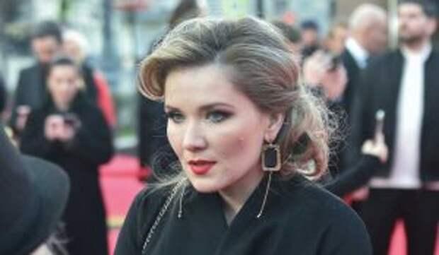 Веденская рассказала об измене мужа с известной актрисой