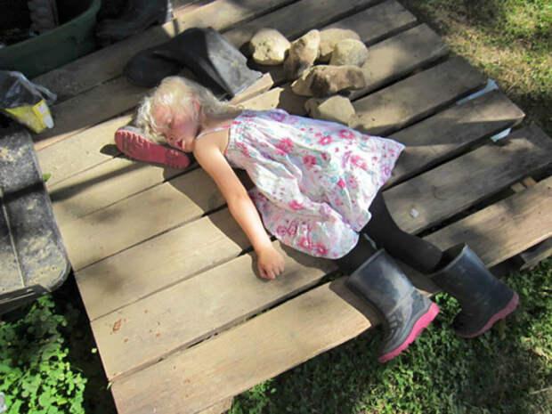 Свалилась от усталости.