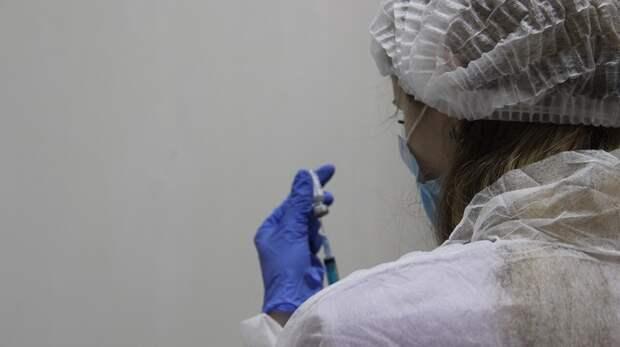 Маломобильным крымчанам сделают прививку от коронавируса на дому