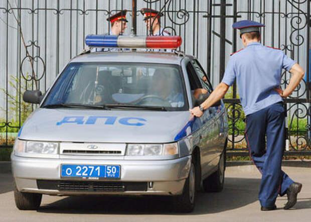 Житель Казани проколол колеса машины ДПС и выложил видео в соцсети