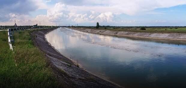 Вода из Днепра начала поступать в Северо-Крымский канал