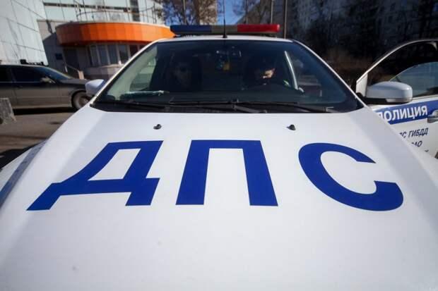 Автомобиль службы доставки сбил мотоциклиста на Люблинской