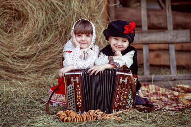 Как «застричь язык», в чём секрет «бабкиной каши» и другие русские обряды, связанные с детьми