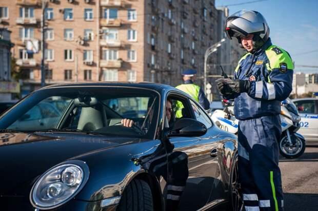 Для российских автомобилистов готовят новый штраф запревышение скорости