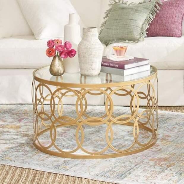 Стильная композиция: как украсить журнальный столик