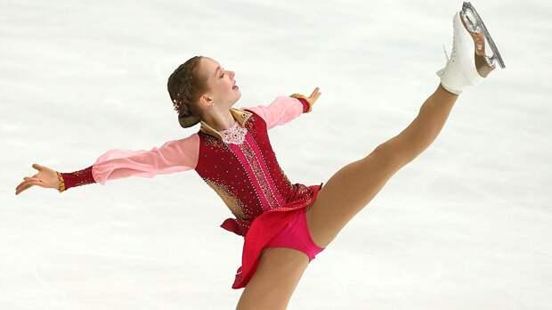 Берестовская тренируется в академии Плющенко. В марте фигуристка перешла в группу Тутберидзе