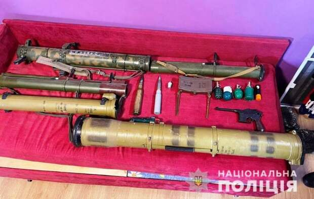 В Днепропетровской области задержана группа торговцев оружием. Появилось видео