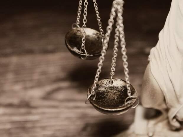 Петербургская семья через суд взыскала с комздрава компенсацию за отказ в обеспечении лекарством больного ребенка