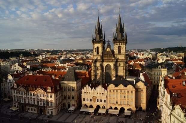 Власти Праги потребовали от посольства РФ освободить полгектара земли