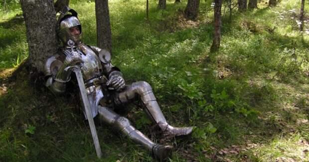 Чем в Средние века весь день занималась знать, если им не надо было ходить на работу?