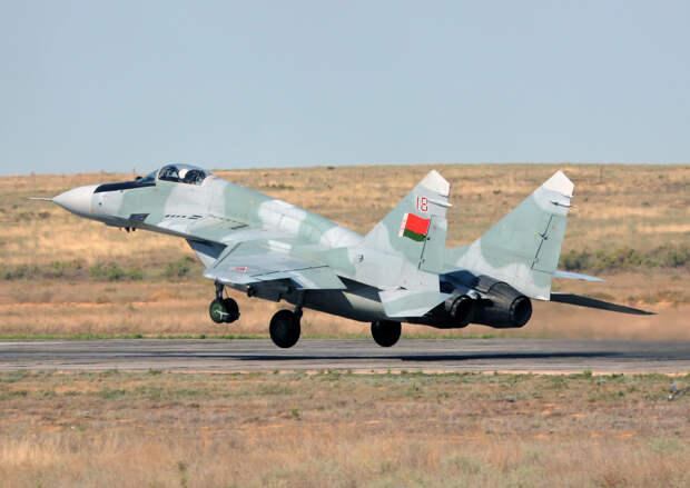 Белоруссия защитится от вторжения НАТО истребителями МиГ-29 и Су-30