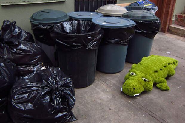 Нельзя выносить мусор после заката солнца
