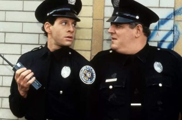 Добропорядочный гражданин не стесняется обращаться в полицию.