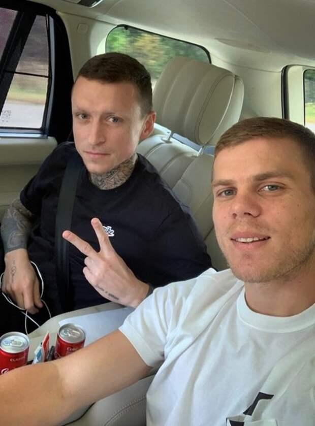 Александр Кокорин и Павел Мамаев отправились за границу