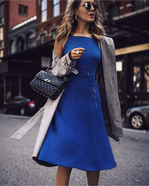 25 неповторимых идей с чем носить синий цвет