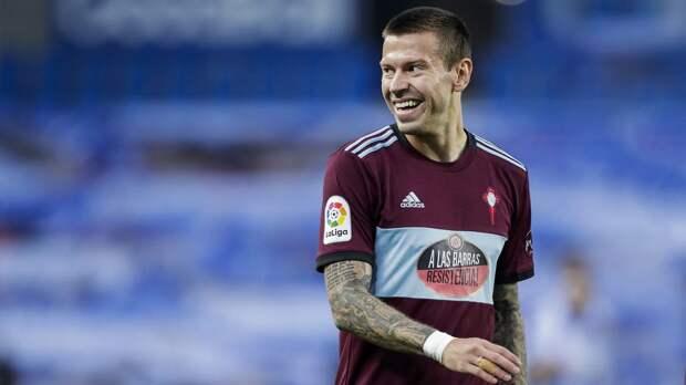 Букмекеры предложили повышенные коэффициенты на матч «Сельта» — «Барселона» и гол Смолова