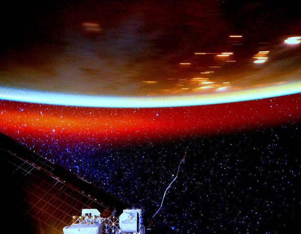 Так светится наша атмосфера. Фото с борта МКС. жизнь, интересные, фото
