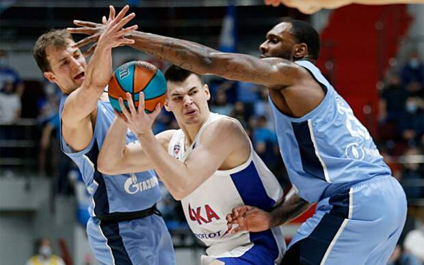 «Зенит» во 2-м овертайме вырвал победу у ЦСКА и сравнял счет полуфинальной серии Единой лиги ВТБ