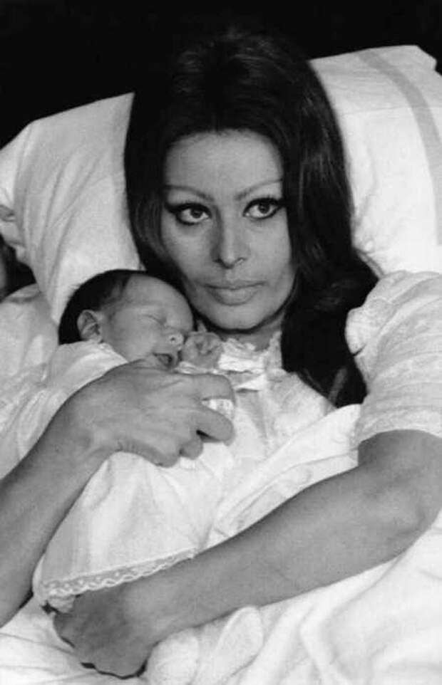 Софи Лорен со своим первенцем Карло Понти младшим.