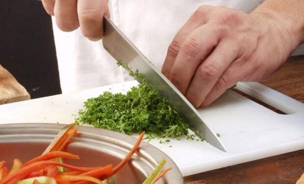 5 базовых навыков готовки, без которых не кухне нечего делать