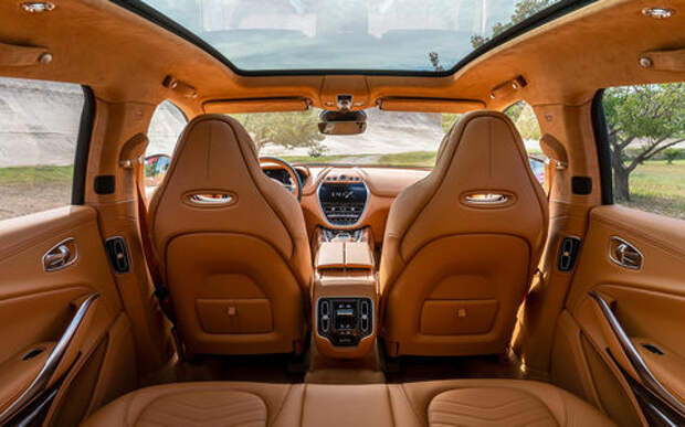 Названа цена первого кроссовера Aston Martin