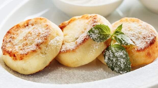 Без масла и минимум муки: вкуснейшие пышные сырники в духовке