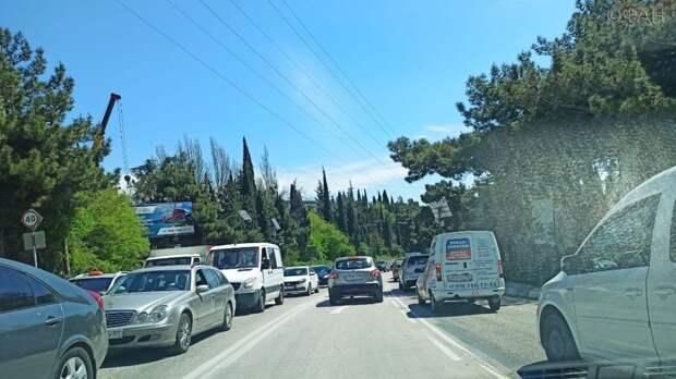 Больная тема для Крыма: почему полуостров утопает в автомобильных пробках