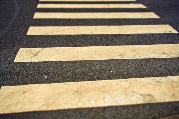 В Анадырском проезде иномарка сбила пешехода