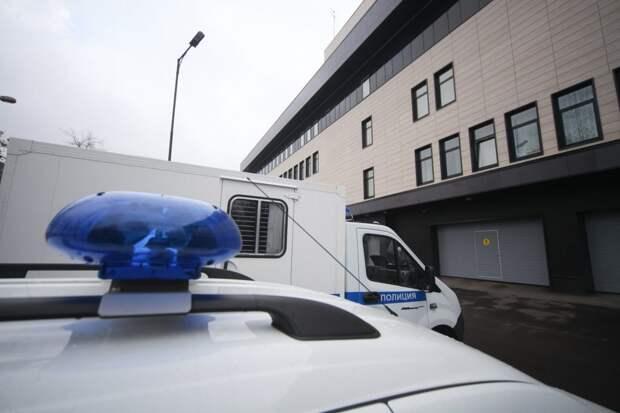 На улице Исаковского обнаружили труп с простреленной головой