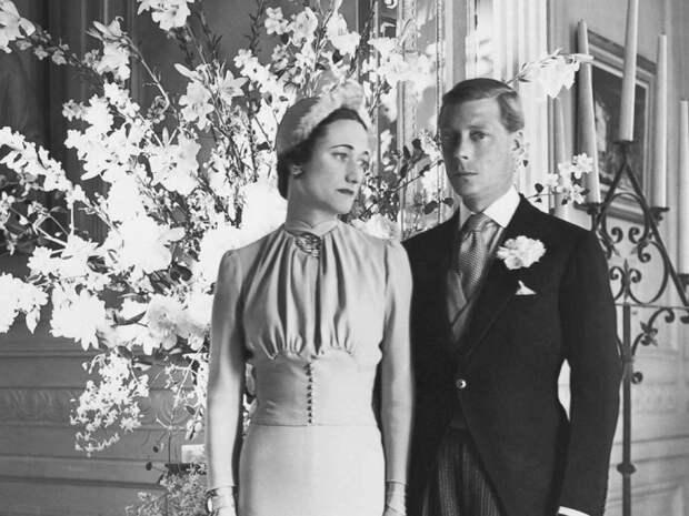 Семья Эдуарда не одобрила его брак с разведенной женщиной