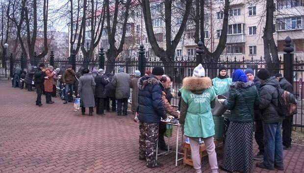 В Подольске возобновили раздачу обедов малоимущим