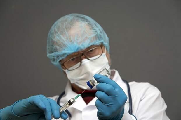 Роспотребнадзор ответил, что делать при аллергии на прививку от коронавируса