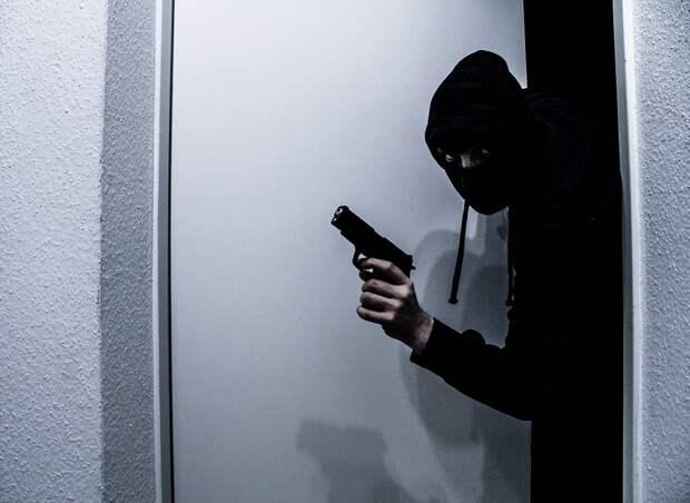 Во время ограбления в Брянске неизвестные застрелили двух сотрудников спецсвязи