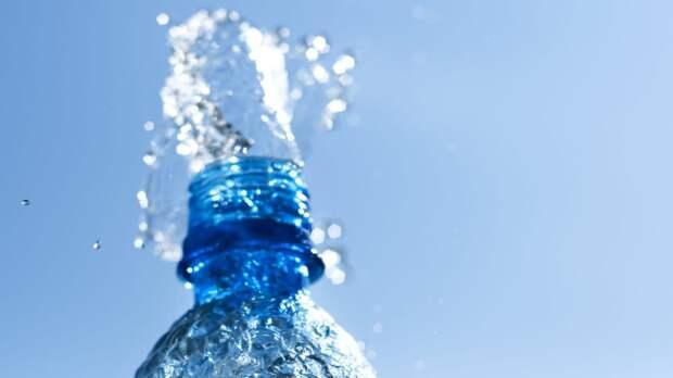 Диетолог Обложко назвал самый полезный в жару напиток