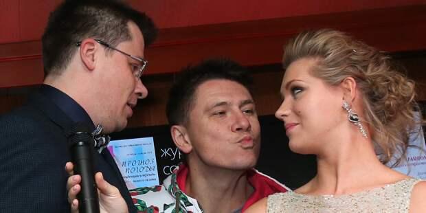 Асмус будет подружкой невесты на свадьбе Харламова