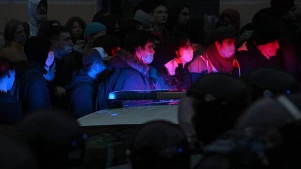 Политолог Аркатов назвал митинги сторонников Навального хаотичными и бесцельными