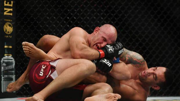 Молдаванин Спивак проведет бой с россиянином Олейником на турнире UFC