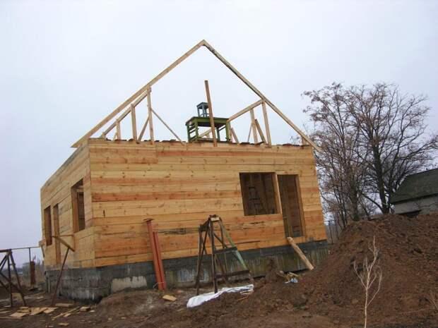 Дачное строительство: юрист рассказал, что можно, а что нельзя строить на даче