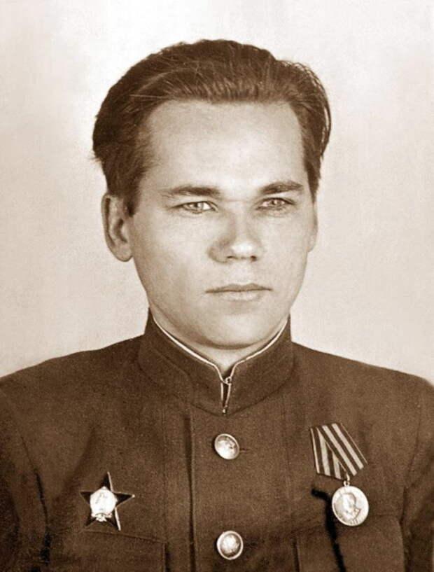 Михаил Калашников. / Фото: www.svgvg.ru
