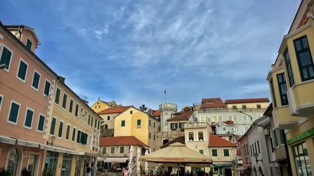 Черногория объявила об открытии границ для туристов с 17 мая
