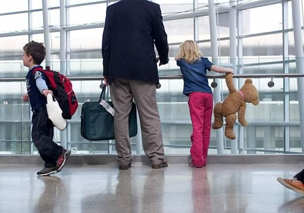 Выезд ребенка за границу — что нужно знать?